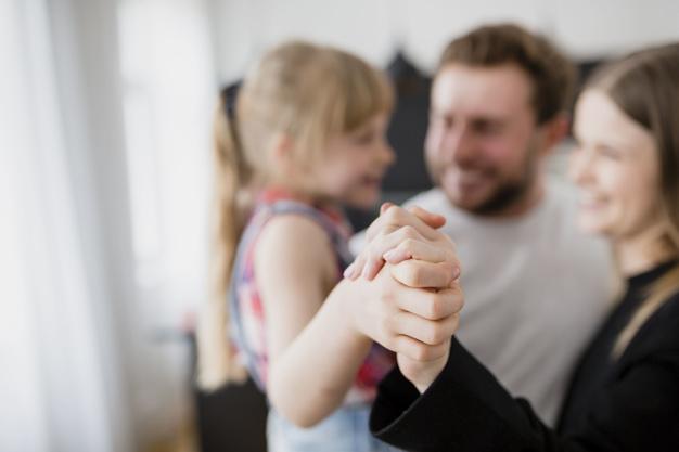 نقش پدر و مادر در تربیت فرزندان